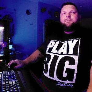 Play Big Tee
